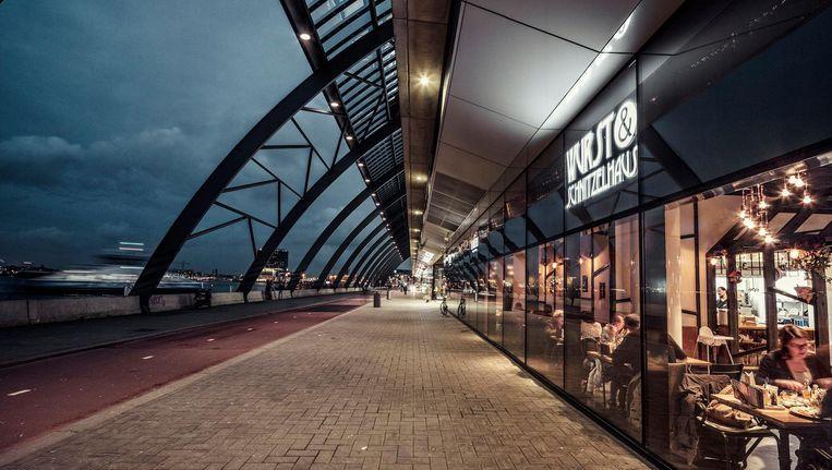Er is genoeg te eten in het verbouwde Centraal Station, maar hoe smaakt het? Beeld Martin Dijkstra
