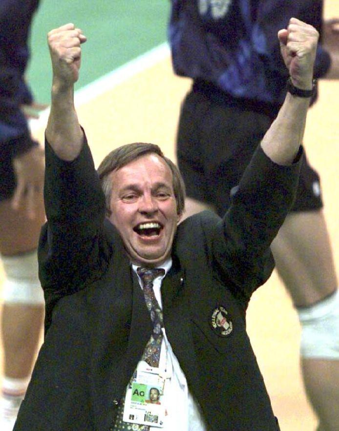 Oranje-coach Joop Alberda na het bereiken van de finale op de Olympische Spelen van 1996.