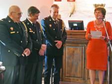 Brandweermannen gedecoreerd in Sluis
