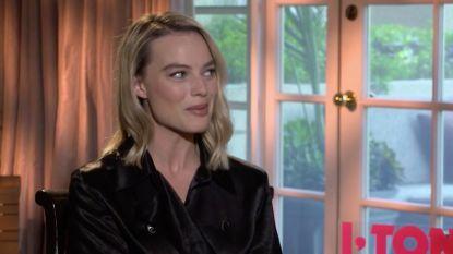 VIDEO: onze hollywoodvrouw reikt Margot Robbie nu al haar Oscar uit
