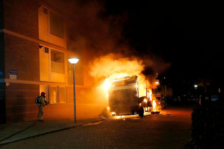Vrachtwagen met drugsafval in brand aan de Offenbachlaan in Eindhoven.