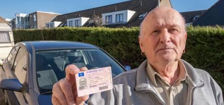 Eindelijk heeft Willem Murre zijn rijbewijs. 'Het eerste wat ik deed? Een rondje boulevard'
