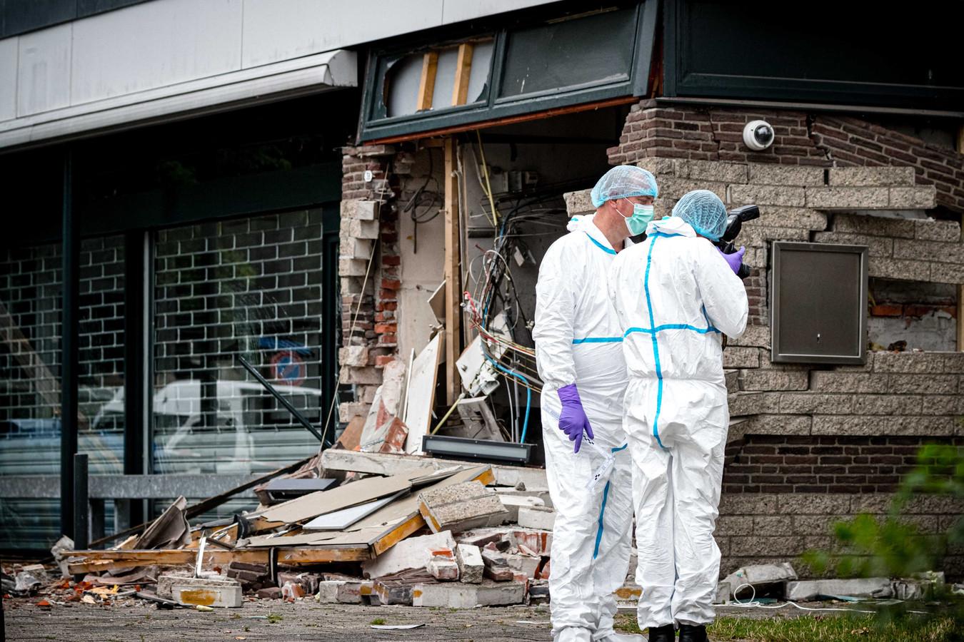 Een plofkraak bij een geldautomaat in Waalwijk richtte begin augustus een enorme ravage aan.