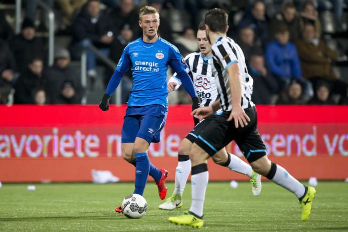Albert Gudmundsson was eerder dit seizoen al belangrijk voor PSV 1 in het duel met Heracles Almelo.