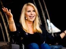 Linda de Mol was al vroeg besmet met corona: 'Kon echt niet op mijn benen staan'