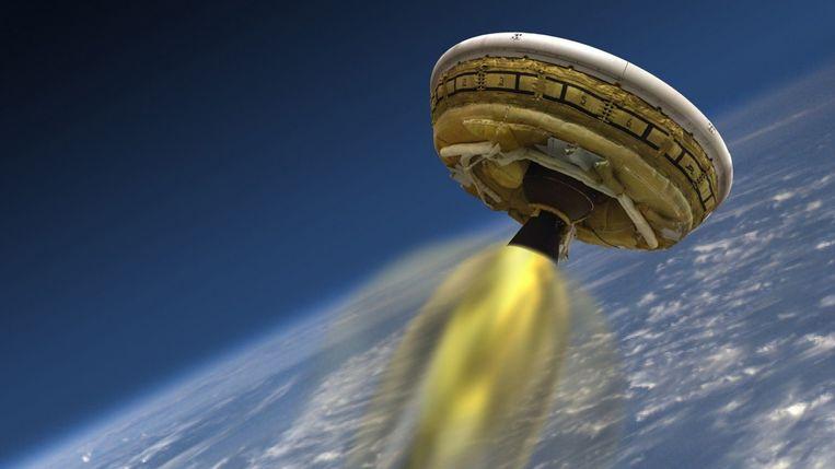 Een impressie van de vlucht van de Vliegende Schotel van NASA, die technieken moet testen om zware vrachten naar Mars te brengen.