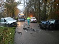 Gewonde en flinke schade bij ongeluk in Ermelo