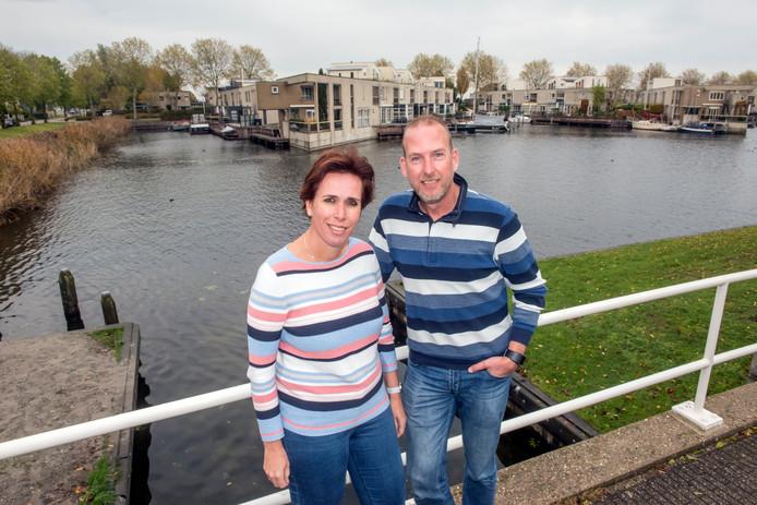 Emmy en Jan te Rietstap hebben samen de website 'Help mijn puber heeft epilepsie' opgezet. Aanleiding is de aandoening waaraan hun zoon lijdt en het gebrek aan informatie dat ze zelf ooit hebben kunnen vinden.
