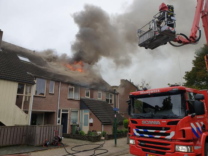 Brand met uitslaande vlammen in Kaatsheuvel.