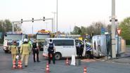 Politiecombi Buggenhout/Lebbeke knalt tegen bestelwagen tijdens prioritaire rit