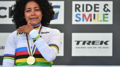 """Alvarado kon op het podium haar geluk niet op: """"Tegen de tranen vechten lukte niet"""""""