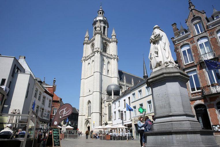 De beiaard in de toren van de basiliek is een van de meest waardevolle van België.