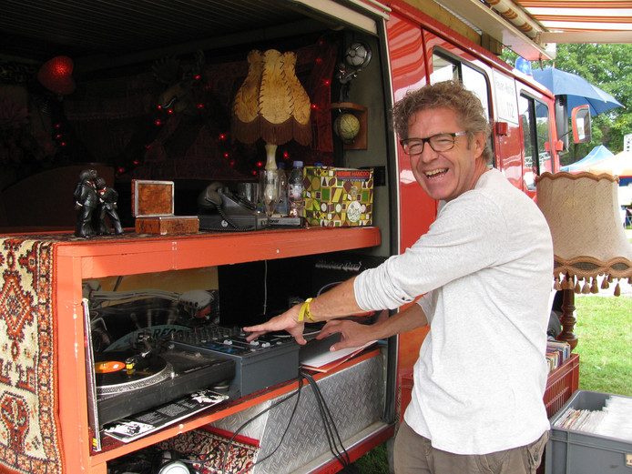 René Limbeek bij De Platenbus