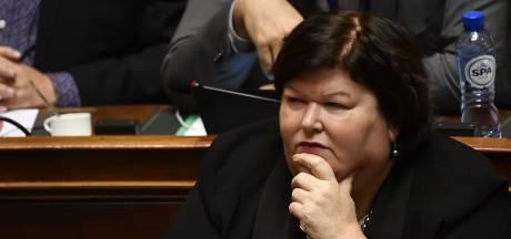 """Une formation et un emploi pour les sans-papiers à Bruxelles? """"C'est une régularisation collective"""""""