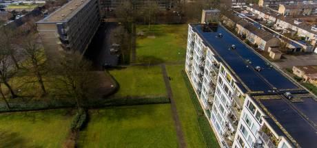 Grasvlaktes Waalwijkse wijk Bloemenoord straks een glooiend park