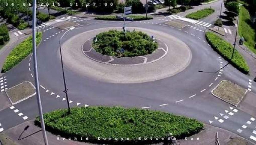 De beroemde rotonde waar 24 uur per dag een webcam op gericht staat.