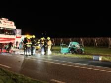 Dode en zwaargewonde bij botsing auto en vrachtwagen op N320 in Ingen