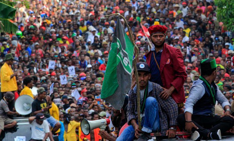 Duizenden demonstreren maandag in Jayapura, hoofdstad van de Indonesische provincie Papoea. Beeld null