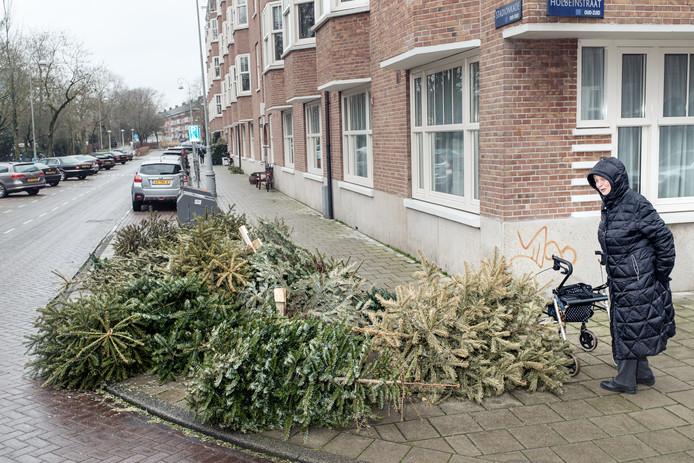 Kerstbomen op de Stadionkade.