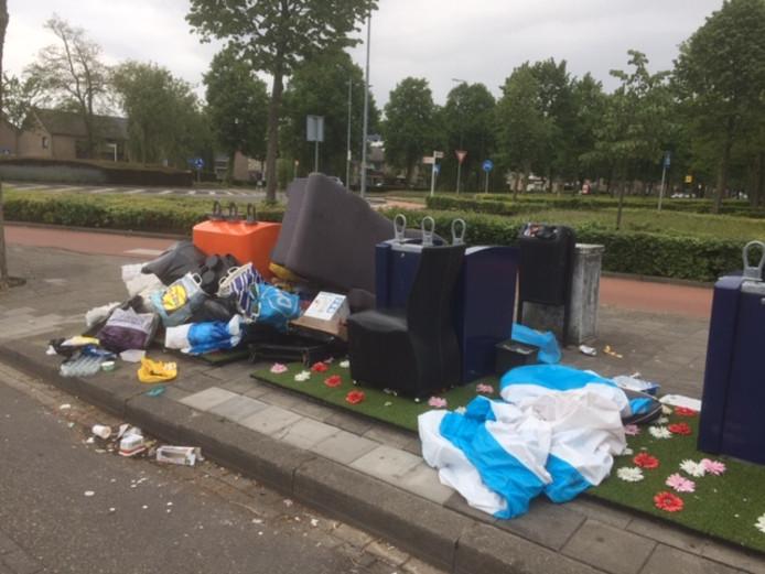 Bankstellen Den Bosch.Gras En Bloemetjes Tegen Zwerfafval Niet Op De Helftheuvel