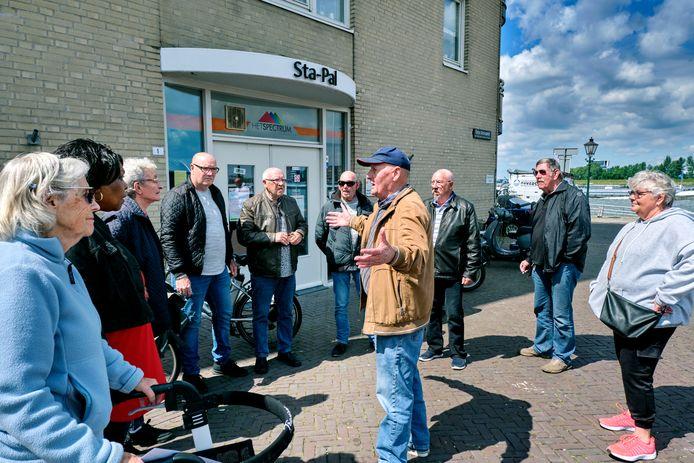 Boze bezoekers voor ontmoetingsruimte Sta-Pal, vorige week.