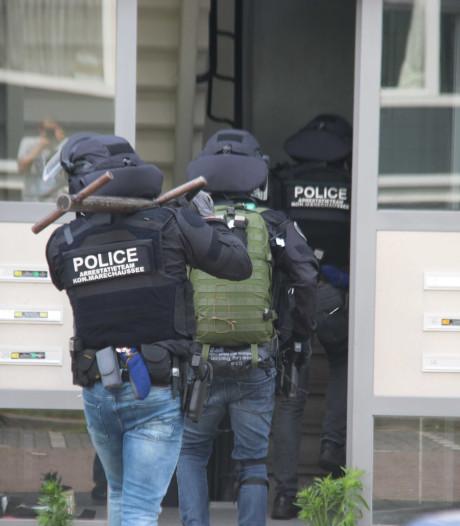 Arrestatieteam valt woning in Tilburg binnen vanwege drugshandel, twee mannen aangehouden