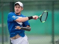 Tennisser met kunstarm haalt zijn eerste ATP-punt