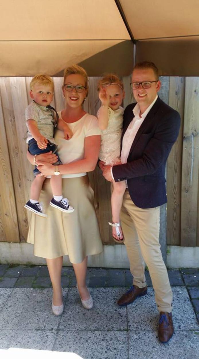 Rob Koehorst en Kim Masselink met hun kinderen Lune en Yesper op een eerder feestje.