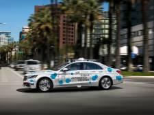 Volledig geautomatiseerde taxi's van Mercedes gaan volgend jaar de weg op