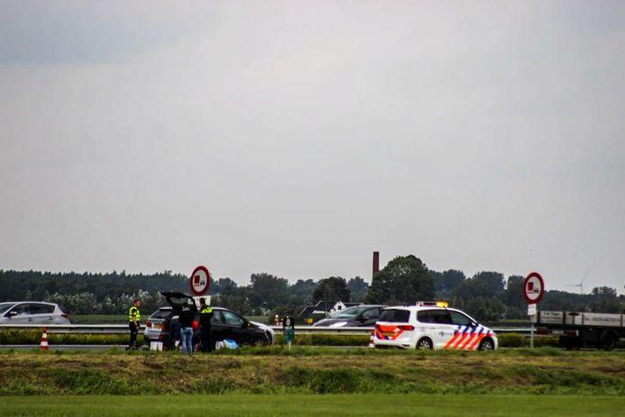Drie personenauto kwamen vrijdagmiddag op de A28 tussen Nijkerk en Putten met elkaar in botsing.