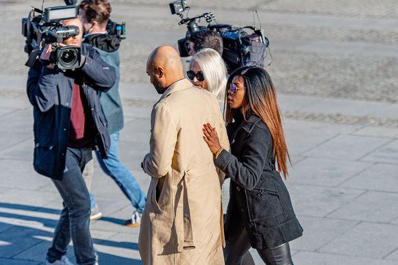Imuanelle Grives verlaat het gerechtsgebouw na de voorlezing van het vonnis.