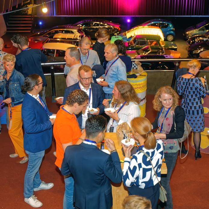 Jazzperience in Bergen op Zoom zou op het dak van parking De Parade plaatsvinden, maar vanwege het slechte weer werd uitgeweken naar De Stoelemat.