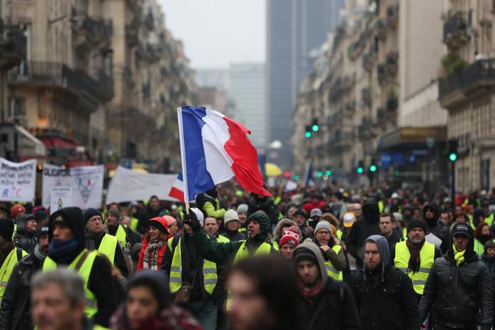 Ook vandaag gaan de Fransen weer massaal de straat op.