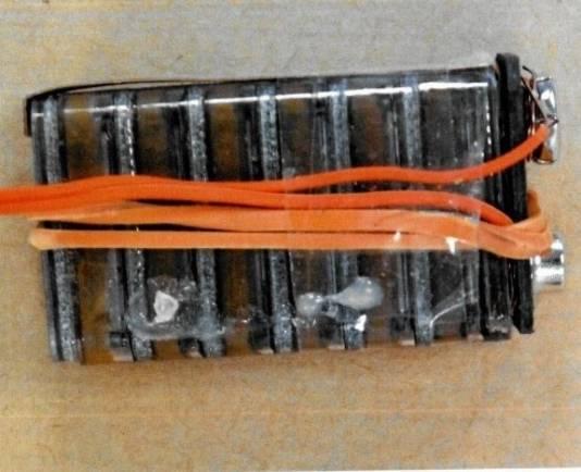 De batterijen in de bombrieven waren ontdaan van het omhulsel
