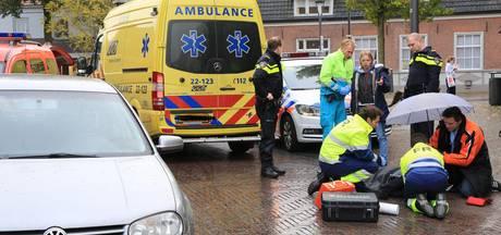 Oudere vrouw gewond na aanrijding in Asten