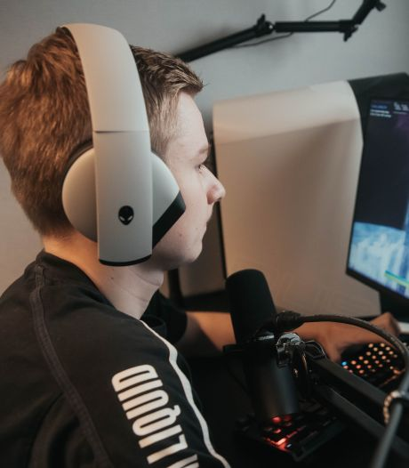 Niemand kent Dmitri, maar als gamer 'Mitr0' is hij wereldberoemd