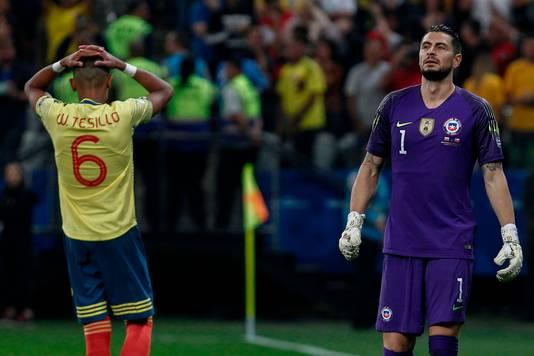 De teleurstelling bij de Colombiaan William Tesillo nadat hij een penalty heeft gemist.
