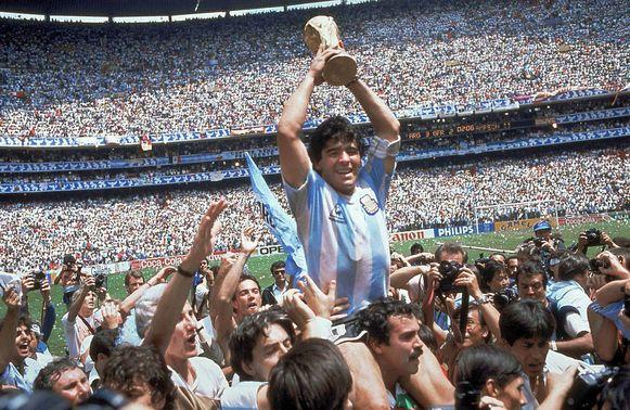 Diego Maradona won drie jaar na de galamatch tegen Anderlecht het WK met Argentinië