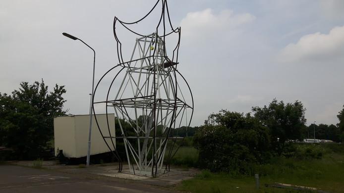 Het frame van het 9 meter 14 hoge Bosch Beest
