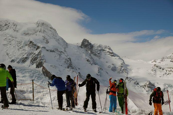 Skiërs bij de Kleine Matterhorn.