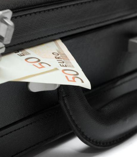 Mogelijk witwaspraktijken in Bergen op Zoom: 75.000 euro aan contant geld gevonden in woning