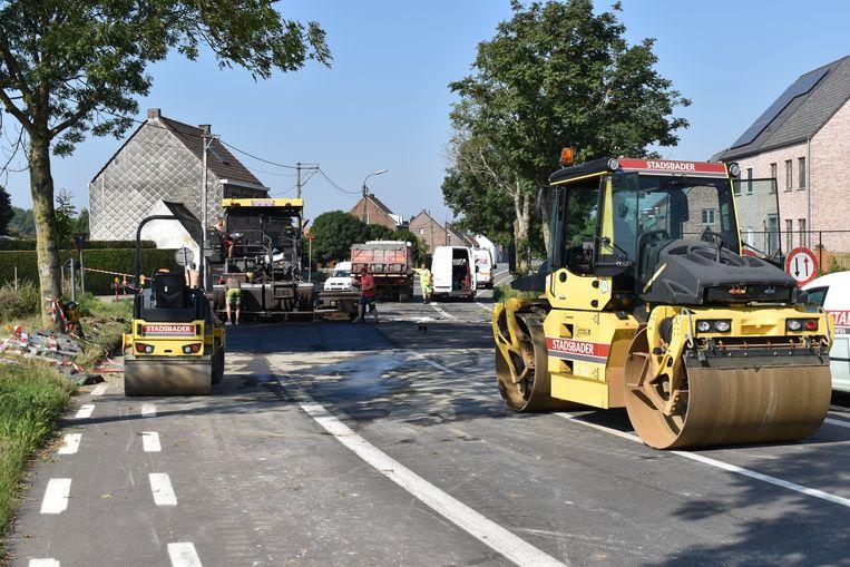 De aannemer voert vandaag asfalteringswerken uit.