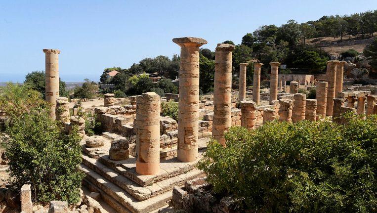 Zicht op ruïnes in Cyrene, een stad uit het Grieks-Romeinse Rijk. Deze stad wordt geplunderd door IS. Beeld reuters