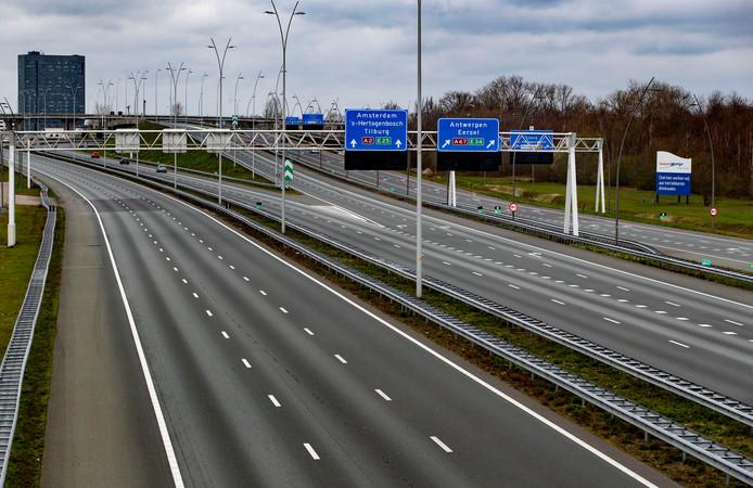 Eindhove Lege snelweg de Hogt in Eindhoven als gevolg van de corona uitbraak