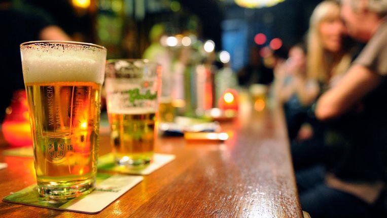In bijna driekwart van de bars konden de 'dronken' acteurs gewoon doordrinken. Beeld anp