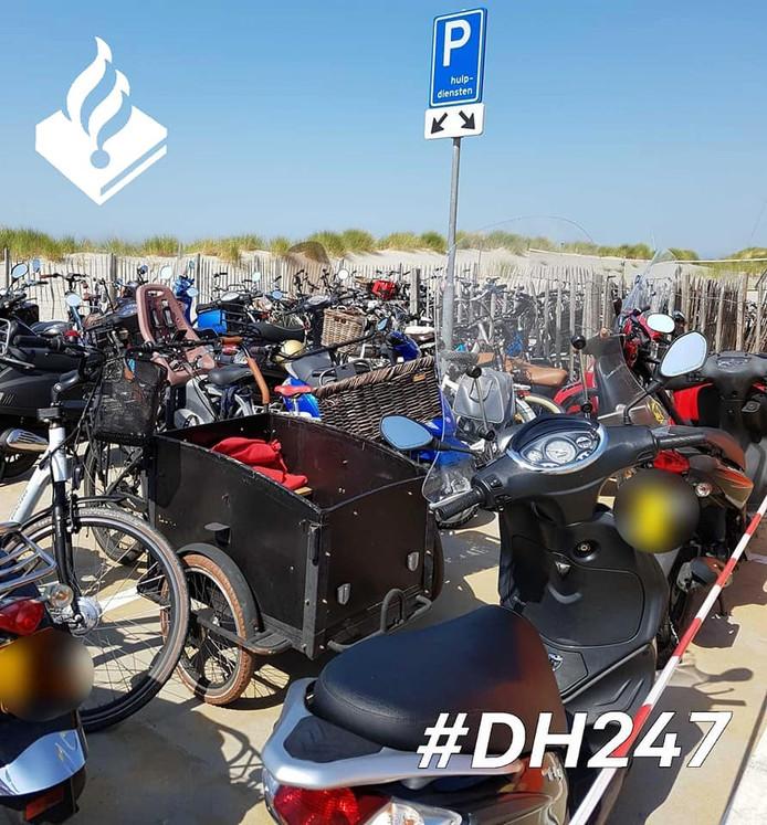 Foutparkeerders bij strandopgang Vlugtenburg