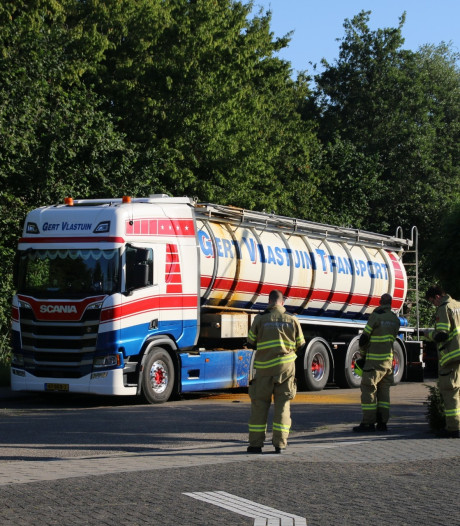 Straat in Nijkerk afgezet wegens lekkende tankwagen