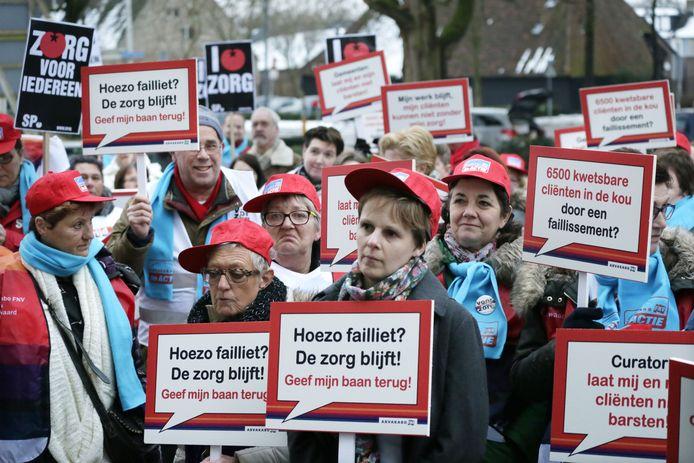 Werknemers van de failliete thuiszorginstelling Thebe protesteren in 2014 in Breda. Archieffoto Joyce van Belkom/Het Fotoburo