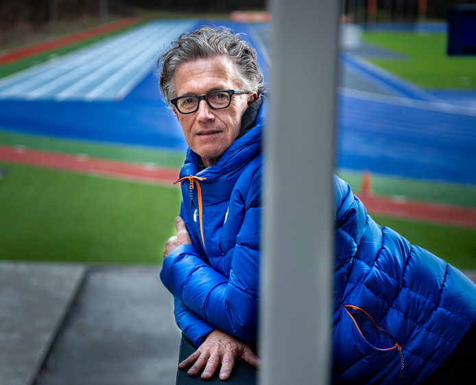 Charles van Commenée, hoofdcoach van de Atletiekunie.