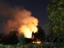 Schuur bij boerderij in brand in Reeuwijk